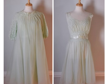 Vintage 60s Peignoir Set / 60s Lingerie / 60s Dressing Gown and Robe / Sheer Nightgown and Robe / Size Medium to Large