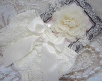 "Newborn Ivory Lace Bloomers and Chiffon and Lace 4"" Flower Headband, lace diaper cover, bebe foto, Lil Miss Sweet Pea Boutique, foto bebe"