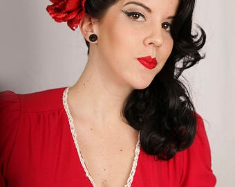 Now, Voyager Glitter Fabric Red Rose Hair Clip