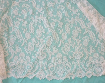 """EXTRAORDINARY Antique French CHANTILLY Lace Shawl..Ivory..Wedding..22.5"""" by 57"""""""