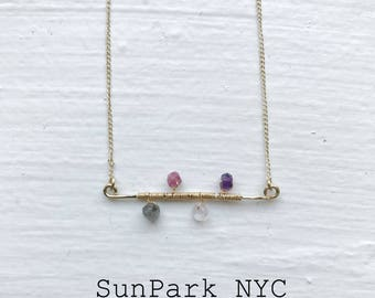Gold Hammered Bar Necklace/Gemstone Necklace/Amethyst Labradorite Necklace/Crystal Necklace/Gold Necklace/Bridesmaid Necklace/Gold Necklace