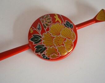 Stick hair pin, Japanese kanzashi hair ornament, lacquered red, gold maki-e