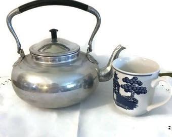 Vintage Knobler Aluminum Tea Kettle & Lid Country Farmhouse Kitchen from WeeLambieVintage