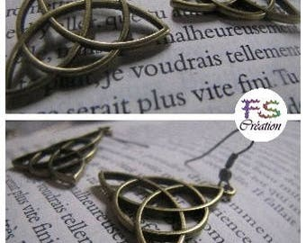 Earrings Triquetra, Charmed.