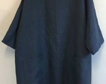 Navy Blue Linen Tunic Top in Plus Size.