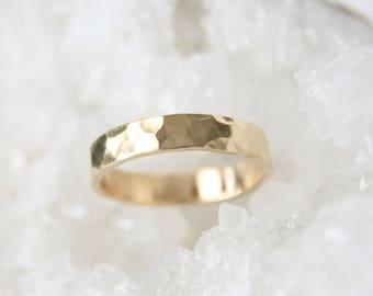 Gold Wedding Ring, Hammered 14k Gold Wedding band, 4mm Hammered Gold Ring, Mens Wedding, Gold Wedding Band Women, wedding jewelry, engagemen