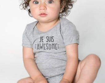 Baby bodysuit - JE SUIS AWESOME - Bilingual  English, French, Gray, 12 months,  Short sleeves, handprinted in Canada,  baby shower gift