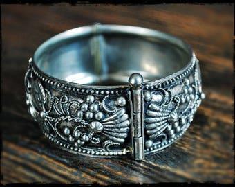 Ethnic Hinged Bangle Bracelet - Wine Leaves Silver Bracelet - Ethnic Hinged Cuff Bracelet