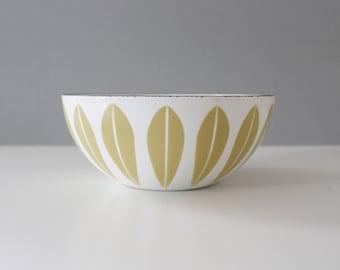 """Cathrineholm Norway Mustard on White 8"""" Enamel Lotus Bowl Scandinavian"""