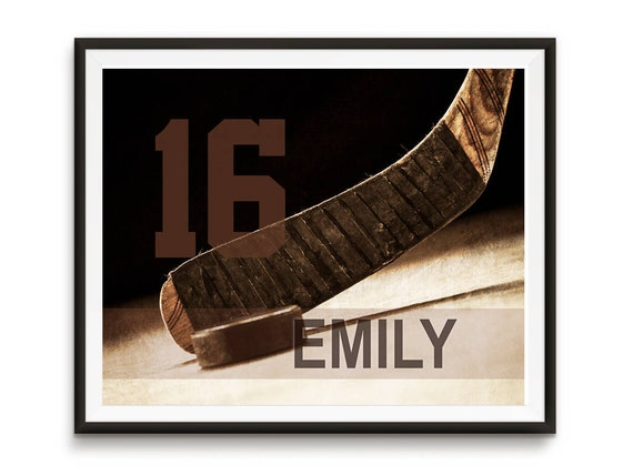 Personalized hockey art, Sports gift, Team Gifts, Hockey gifts, Teen birthday, Sports decor, Man cave art, Kids room decor // Hockey