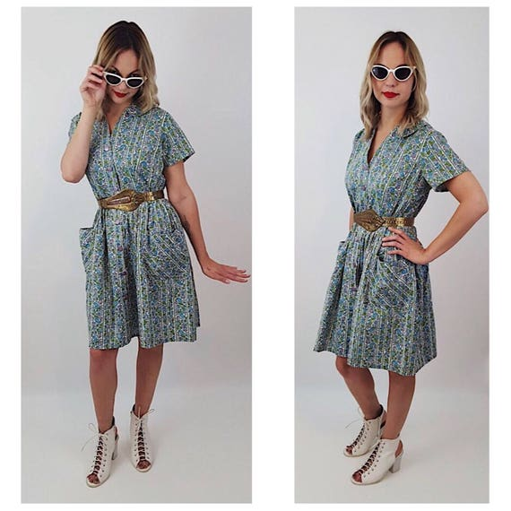 50's Floral Collared Button Up Classic Knee Dress - Medium Blue Green Purple White Artist Dress With Side Pockets - All Over Pattern