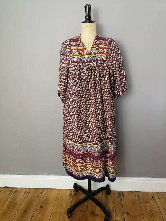 Vintage folk dress / 80s bohemian dress / loose hippie smock dress / hippie festival dress / floral peasant dress / size M