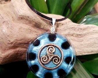 Orgone Pendant - Onyx - Triskelion - Root Chakra Healing Lightworker Jewellery - Positive Energy - Healing Jewelry - Large