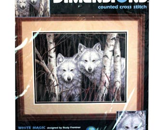 """Dimensions counted cross stitch kit White Magic kit #35035 14"""" x 11"""" Wolf picture 2000"""
