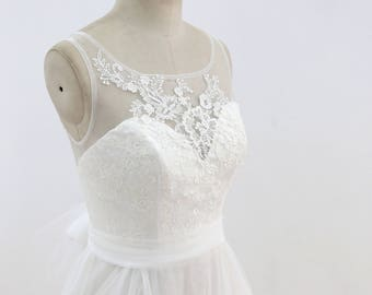 Floral Lace Wedding Dress Ivory Lace Ball Gown Wedding Dress with Boat Neckline