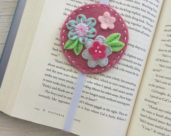 Floral felt bookmark | handmade bookmark | made in Quebec