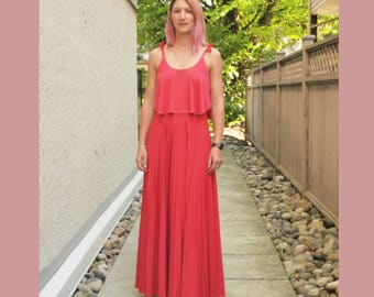 Maxi dress pleated skirt and floaty top