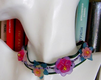 Lucite Flowers and Ribbon Choker Necklace in Spring Colors