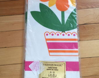 Vintage 1970s Carlton Cards Paper Daisy Floral Flower Fashion Magic Disposable Tablecloth!