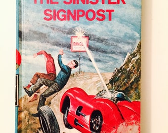 Vintage Hardy Boys The Sinister Signpost Franklin W Dixon # 15 in the Series