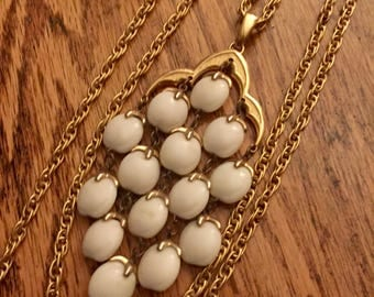 Trifari waterfall necklace vintage goldstone cream white jewelry multi strand