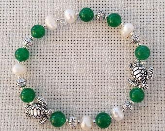 Emerald Jade with Freshwater Pearl Turtle Bracelet