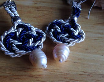 Macrame earrings with  freshwater pearls // present for her // blue