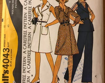 McCalls 4043 - 1970s Double Breasted Dress or Top with Notched Collar and Wide Legged Pants - Size 18 Bust 40
