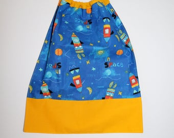 Canteen, school, birthday * napkin, bib, canteen, with elastic at the neck, cotton, space, in stock