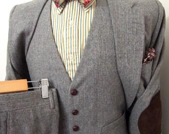 Vintage 3pc Tweed Herringbone suit sz 38 R ELBOW PATCHES