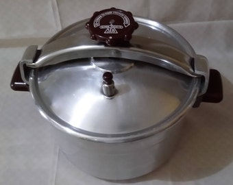 SEB Cocotta Super Pressure cooker 10 litres series L aluminum solid bracket stainless steel clasp knob and bakelite handles