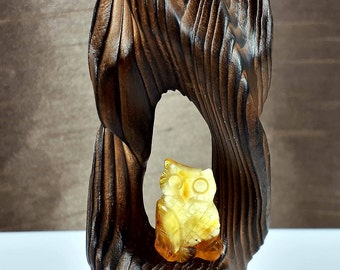 Vintage Carved Sculpture Wooden (Pine tree) OWL Baltic Amber Statuette Figure 33,26 gr.