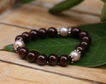 No. 41 Garnet, Fresh Water Pearl & Sterling Silver Stretch Bracelet