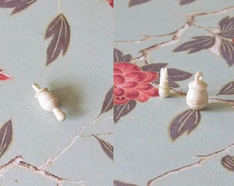 Vintage bone pendant 23mm