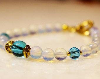 Genuine Moonstone Beaded Hanmade Bracelet with a Gold Heart Toggle Lock. Gift for Her. Gemstone Jewellery. Blue Bracelet. Love Bracelet.
