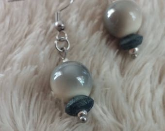 Earrings with glass beads two tones.