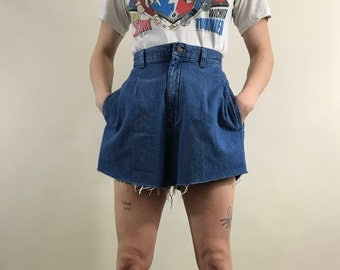Women's Vintage 1980s, Lee Denim Shorts, High Waisted, Cutoff Shorts, Pleated Size 6