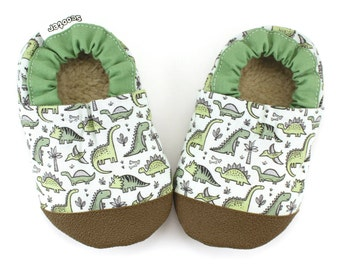 dinosaur shoes green dinosaur booties rubber sole shoes toddler dinosaur slippers t-rex early walker soft sole shoes green vegan shoes