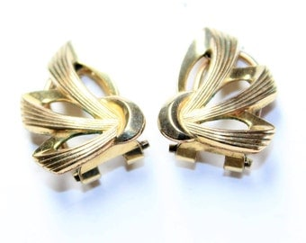 Rolled Gold Small Bows Vintage Clip On Earrings (c1960s) - Wedding