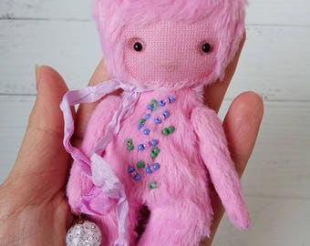 The Promise Keeper Donut - German viscose, manual color, teddy friend, pink, anti-stress