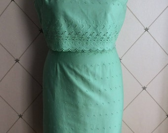 Lovely 1960's Broderie Anglaise Shift Dress in Mint Green Label: Carnegie