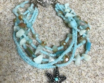 Starfish glass-beaded bracelet