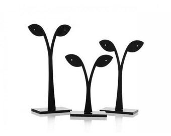 3 display form leaf earrings