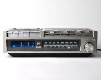 Unique - General Electric - Cassette tape, Clock Radio, Alarm Clock - 1970s