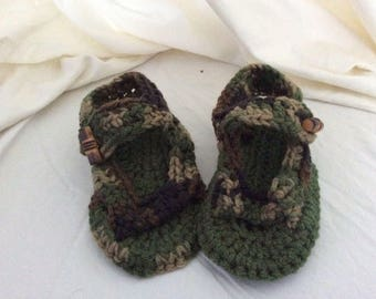 Camo sandal slippers for a boy in infant size 2.
