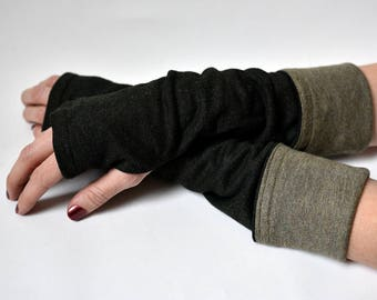Reversible Green fingerless gloves, Arm warmers (reduced price!)