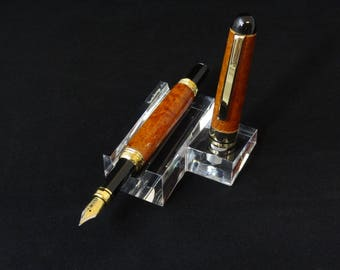 Handmade fountain pen in Thuya Burl by Specialty Turned Designs