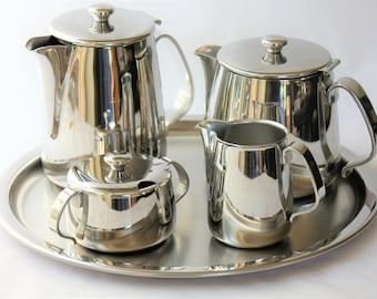 Serving tea and coffee Ufficio Tecnico Alessi (Italy)