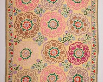 FREE SHIPPING !!! 5'5'' x 7'4'' Vintage Uzbek Samarkand Suzani wall Hanging, cover