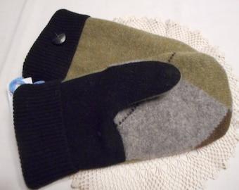 """WOOL Mittens  Handmade Recycled Wool Sweaters Ladies LARGE Green Gray Black """"Argyle"""" Design OOAK"""
